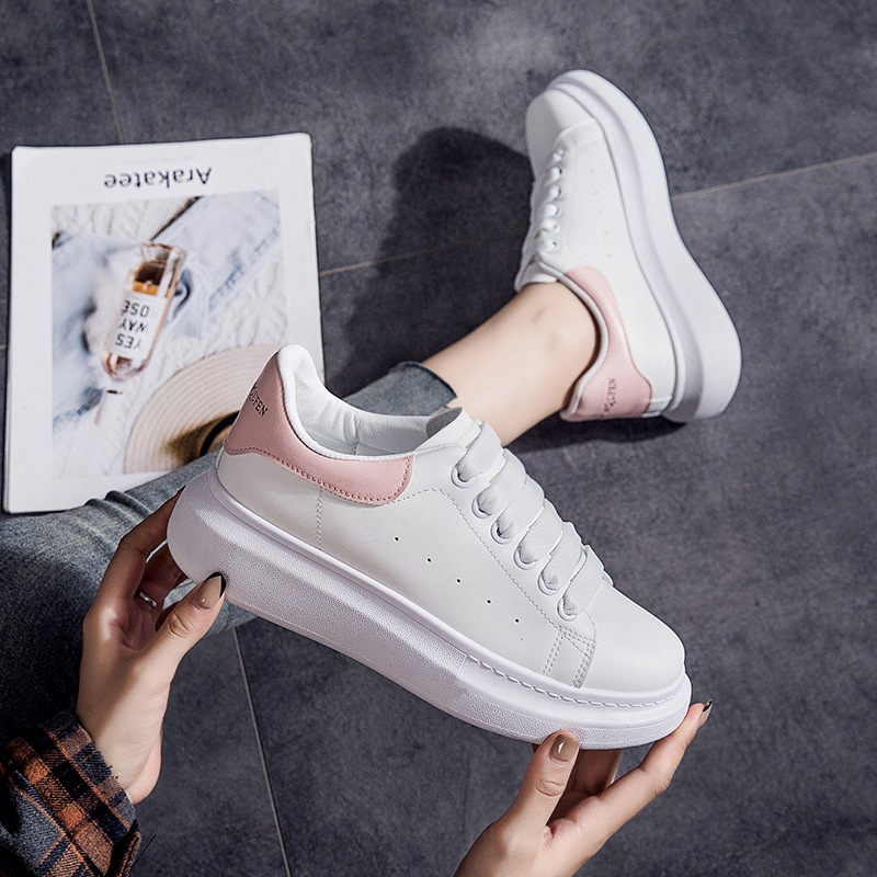 2020 autumn new McQueen white shoes female students Korean version of the thick-soled women's casual shoes net red women's shoes basic white shoes